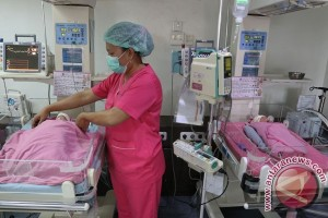 Dokter: obat penyubur bisa picu anak kembar
