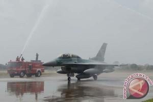 Jet TNI AU tergelincir di Bandara SSK II Pekanbaru
