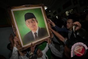 Umat muslim Manokwari Papua sholat gho'ib untuk KH Hasyim
