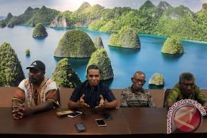 Dewan adat Raja Ampat buat aturan perlindungan laut dan hutan