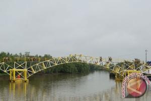Jembatan Apung Sudah Bisa Digunakan