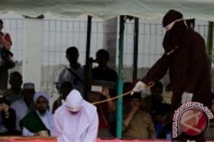 12 pelanggar syariat Islam dihukum cambuk