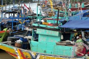 KKP ingin tiap pelabuhan sediakan solar nelayan