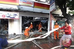 31 pemadam dikerahkan padamkan kebakaran kawasan Senen