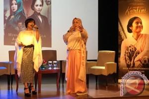 Melly Goeslaw disarankan shalat malam oleh Christine Hakim