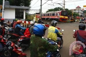 Penutupan Perlintasan Kereta Api Bintaro