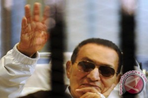 Egypt`s Mubarak breathes freedom after six years in detention
