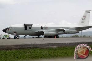 Perbaikan Pesawat Amerika Di Aceh