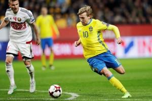 Emil Forsberg kemas dua gol saat Swedia cukur Belarusia 4-0