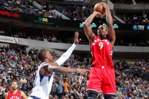 Raptors pastikan tiket playoff usai bekap Mavericks 94-86