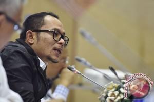 Menaker gandeng TNI-Polri untuk awasi jalur ilegal TKI