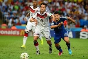 Hummels sebut Jerman bermain angkuh saat mengalahkan Azerbaijan