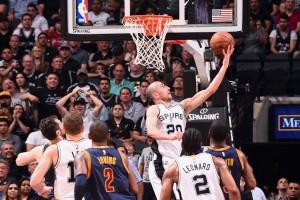 Dipecundangi Spurs 74-103, Cavaliers tinggalkan puncak Wilayah Timur