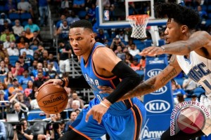 "Westbrook torehkan rekor ""triple-double"" saat Thunder libas Magic"