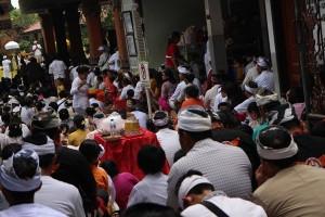 Umat Hindu Bekasi gelar ritual Tawur Kesanga