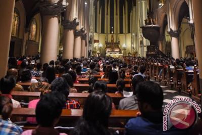Berbarengan waktu sholat Ied, Gereja Katedral Bandarlampung ubah jadwal misa