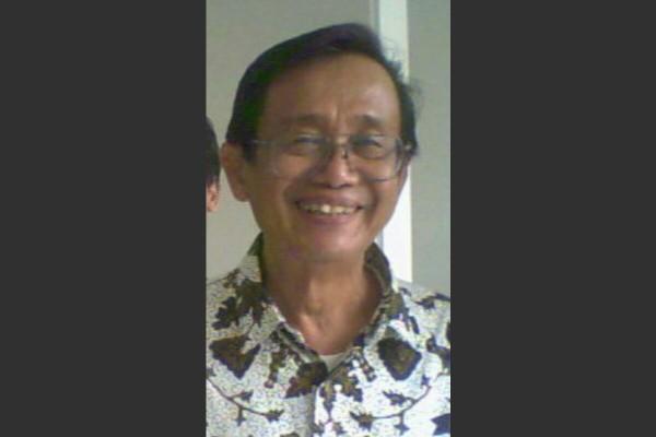 Ajip Rosidi Nani Wijaya Menikah April