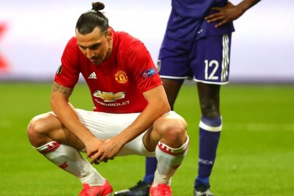 Ibrahimovic teken kontrak baru di MU pekan ini
