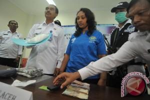 BNNP Bali tangkap kurir sembunyikan narkoba di jilbab