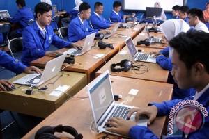 Sekolah di Jakarta anggap UNBK lebih efisien