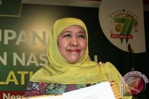 Mensos serahkan PKH non-tunai di Bojonegoro