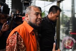 Saksi: pengusaha bayari tiket pesawat dan makan Patrialis