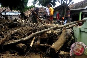 Sebanyak 420 rumah rusak akibat banjir bandang  Aceh
