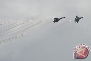 TNI AU unjuk kekuatan pada peringatan HUT