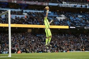 Guardiola tebar pujian untuk Claudio Bravo