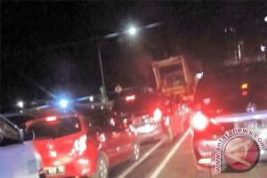 Lalu lintas sekitar Pancoran Jaksel padat akibat pengalihan