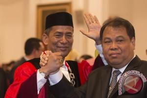 Saldi Isra siap dikritik sebagai Hakim MK