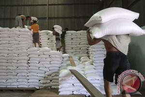 Riau masih kekurangan 66,34 persen beras