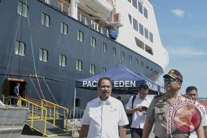 Menteri Kunjungi Pelabuhan Benoa