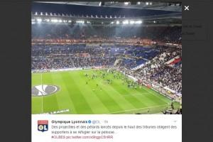 Lyon vs Besiktas diundur 45 menit akibat kerusuhan suporter
