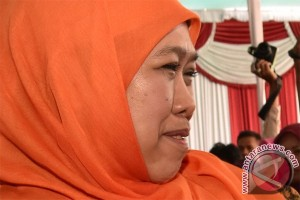 Mensos bagikan sembako Ramadan di Pengadegan