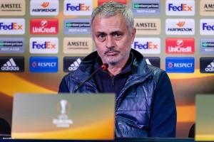 Jelang final Liga Europa, bos Ajax kritik bos MU