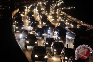 """Untuk Lebaran, akan ada lima """"parking bay"""" di tol Cikampek"""