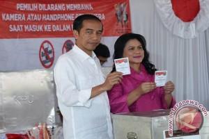 "Lagu ""jali-jali"" iringi Presiden Jokowi saat pencoblosan"