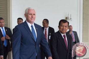 Kalla, Pence discuss energy cooperation