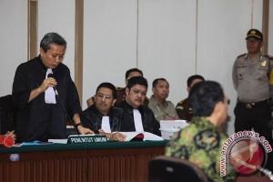 Basuki Purnama dituntut dua tahun percobaan