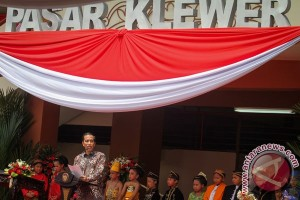 Maintaining Klewer traditional market as icon of Solo