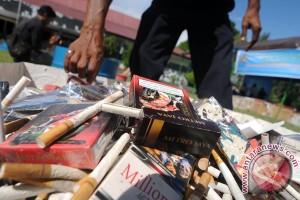 13 juta batang rokok, 225 botol miras bernilai miliaran rupiah dimusnahkan