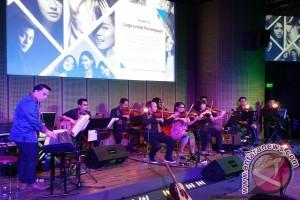 """Orkestra """"warna-warni"""" Ifa Fachir untuk perempuan Indonesia"""