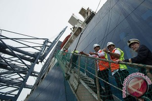 Menhub resmikan kedatangan kapal peti kemas terbesar