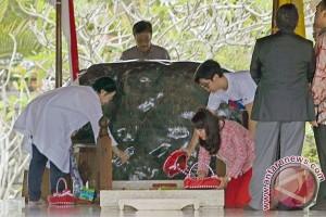 Megawati Ziarah Ke Makam Sukarno