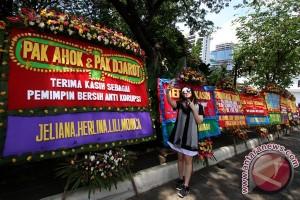 Warga antre berfoto bersama Ahok di Balai Kota DKI Jakarta