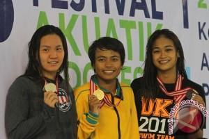 Final 100 M Gaya Punggung Putri