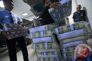 Rupiah Senin sore menguat menjadi Rp13.337 per dolar