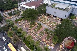 Warga Jakarta ramai-ramai #GombalinAhok