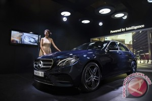 Mercedes Benz The New E 300 AMG